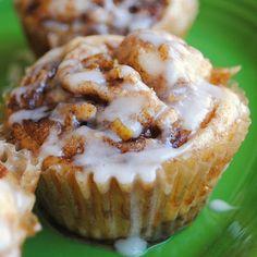 Weekend Breakfast Ideas - Apple Cinnamon Roll Cupcakes