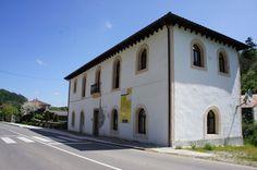 Antigua escuela en Bárzana´l Monasteriu.