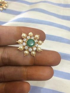 Pearl Dimond  Emerald  Tops. Pearl Necklace Designs, Gold Earrings Designs, Gold Jewellery Design, Simple Earrings, Siri, Bangle, Ear Rings, Jewels, Accessories