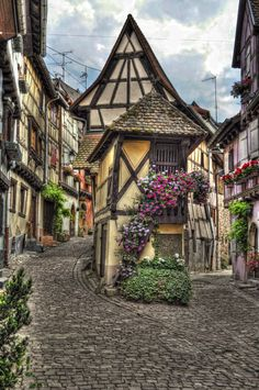 ~~Eguisheim | a village along the wine route, the streets are arranged in concentric circles, Alsace, France | by Mau1962~~