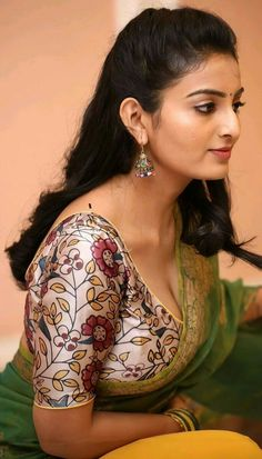 Beautiful Blonde Girl, Beautiful Girl Photo, Beautiful Girl Indian, Cute Beauty, Beauty Full Girl, Beauty Women, Indian Natural Beauty, Indian Beauty Saree, Most Beautiful Bollywood Actress