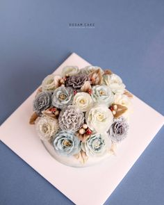 "114 Likes, 1 Comments - Buttercream Flower 도담케이크 (@dodamcake) on Instagram: "". Third class, Basic couse. Perfect clean piping skill   Kakao ID : dodamcake / Line ID : myazang…"""