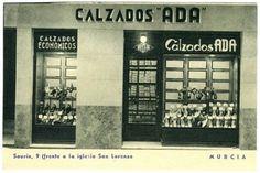 """Fotografía de la fachada de Calzados """"Ada""""1920 https://www.facebook.com/photo.php?fbid=10206543997534504:"""