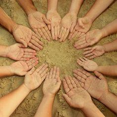É importante que cada pessoa tenha apenas uma outra a quem responda, ao longo de uma clara cadeia de comando, hierarquizada, em que a equipa está divida por cargos diferentes com papéis e tarefas distintos subjacentes.