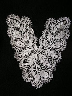 Beautiful example of English Bedfordshire bobbin lace...this piece was worked by Jan Tregidgo of England