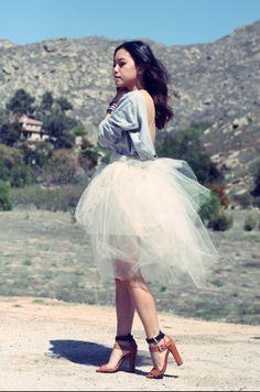 Si eres chaparrita te recomiendo usar las faldas arriba de la rodilla. #wind #Fashion #inspiration #shoes #Tulle skirt