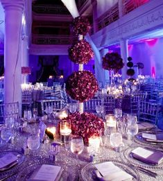 6 Ideas for Pomanders, Kissing Balls - mazelmoments.com I would use these for my bridesmaid and groomsmen tables and have a different centerpiece for the rest of the guest tables to save money