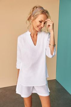 Get into the swing of the season with our white linen gathered asymmetric dress. Fácil Blanco is proudly designed and tailored in Dubai from Italian linen. Classy Casual, Linen Tunic, Western Dresses, Skin Tight, Asymmetrical Dress, Tight Dresses, Casual Outfits, Shorts, Masters