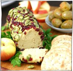 This Sharp Vegan Nut Cheese satisfies your cheesy cravings with its tangy and nutty flavor. It can even be formed into logs or balls! Vegan Cheese Recipes, Vegan Foods, Vegan Snacks, Vegan Dishes, Vegan Vegetarian, Vegetarian Recipes, Vegan Lunches, Vegan Raw, Vegetarian Cheese