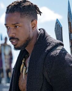 Michael B. Jordan as Erik Killmonger in Black Panther Dreadlock Hairstyles For Men, Black Men Hairstyles, Haircuts For Men, Braided Hairstyles, Black Panther Marvel, Black Panther 2018, Michael B. Jordan, Black Panthers, Erik Killmonger