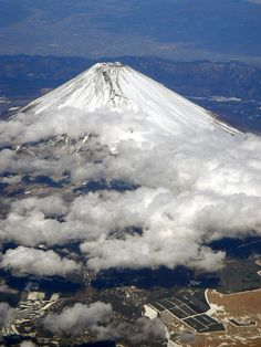 Fuji, Japan 富士山- To be conquered Monte Fuji, Scenic Photography, Amazing Photography, Sacred Mountain, Scenery Pictures, Aesthetic Japan, All Nature, Japan Travel, Cool Photos