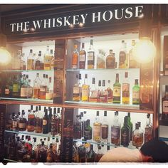 check out Thechefwholifts.net to read the write up of the #dfswhiskeyfestival with #whisky #guru #charlesmaclean #changiairport #singapore #whiskeylover #mastersofmalt #singlemalt #scotch #dfs
