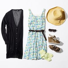 Sunhats and floral dresses make the world a brighter place. Sun Hats, Uniqlo, Dress Making, Leggings, Bra, Summer Dresses, Celebrities, Womens Fashion, Instagram Posts