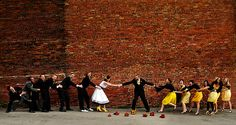 Such a cute & funny bridal party picture!!!