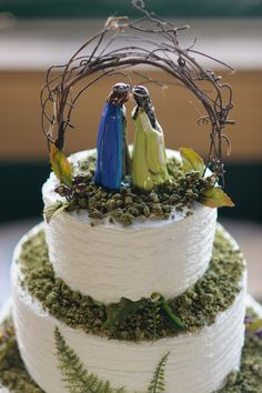 Arwen & Aragorn Cake topper. Lord of the rings / The Hobbit wedding Cake…