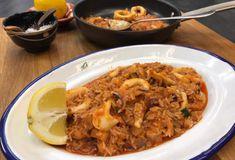 Καλαμάρι με ρύζι-featured_image Food Categories, Fish And Seafood, Macaroni And Cheese, Food And Drink, Rice, Cooking Recipes, Chicken, Meat, Sea Food