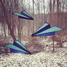 Blue Stained Glass Paper Airplane This listing is for two large planes and one small. All three have wire loops attached and are ready to hang. Hanging Stained Glass, Stained Glass Art, Fused Glass, Stained Glass Designs, Stained Glass Projects, Stained Glass Patterns, Airplane Crafts, Blue Stain, Stained Glass Suncatchers