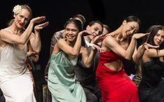 o Tanztheater Wuppertal Pina Bausch, de Sadler Wells, revisão Pina Bausch, Theater, Twenty One, Wells, The Twenties, Dance, People, Beauty, World