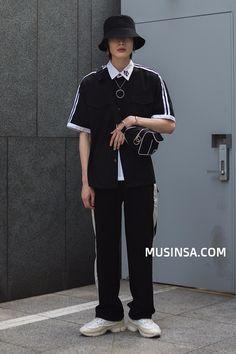 신사/압구정_김준수_남자_버킷햇_하프셔츠_반팔셔츠_웨이스트백_크로스백_팬츠_슬랙스_스니커 Hip Hop Fashion, Boy Fashion, Mens Fashion, Fashion Outfits, Korean Fashion Men, Korea Fashion, Street Outfit, Street Wear, Boyfriend Style