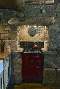 Cutthroat Cabin - Montana & Wyoming Homes Aga Kitchen, Stone Kitchen, Timber Kitchen, Kitchen Units, Aga Stove, Stone Cabin, Cocinas Kitchen, Little Cabin, Western Homes
