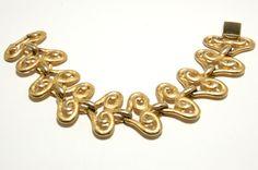 Vintage Erwin Pearl  scrolling large heart link bracelet in brushed Gold Tone Runway Style