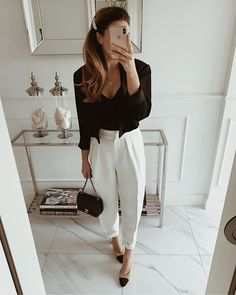 A classic in our collection - cropped PRINCE jacket. Wear it with high waisted pants or skirts. Office Attire, Office Outfits, Work Attire, Stylish Outfits, Fashion Looks, Work Fashion, Fashion Outfits, Womens Fashion, White Pants Outfit