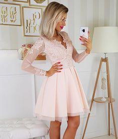 Sukienka beżowa koronkowa rozkloszowana z długim rękawem Casual Clothes, Casual Outfits, Pink Dresses, Wedding Season, Seasons, Fashion, Dinner, Moda, Pink Gowns