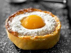 Découvrez la recette Tartelette mousse coco et gelée de mangue sur cuisineactuelle.fr.