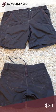 Athleta Shorts There is a drawstring to tighten the waist. I have another pair listed in khaki/green. Athleta Shorts