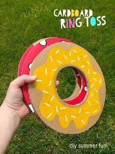 Cardboard Ring Toss - quick summer craft for kids for hours of giggles and healthy competition in the garden
