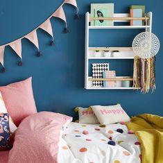 Etagère à livre enfant sur un mur bleu dans une chambre de fille Kids Bedroom, Gallery Wall, Frame, Home Decor, Swan, Florence, Hobby Lobby Bedroom, Girl Room, Picture Frame