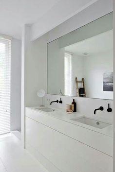 Minimalist bathroom 364017582375980106 - black bathroom fixtures bathroom inspiration minimalistic bathrooms Source by Minimal Bathroom, Modern Bathroom, Small Bathroom, Master Bathroom, Bathroom Black, Modern Sink, White Bathrooms, Luxury Bathrooms, Double Sinks In Bathroom