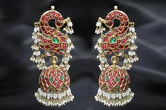India's diverse culture has helped wedding jewellery designs evolve in amazing ways. You can expect fusion jewellery trends from international cultures. Wedding Jewellery Designs, Indian Wedding Jewelry, Indian Jewelry, Bridal Jewelry, Jewelry Design, Designer Jewelry, Indian Bridal, Wedding Accessories, Designer Earrings