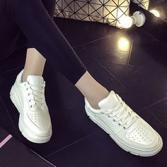 SHARE & Get it FREE | Breathable PU Leather Tie Up Athletic ShoesFor Fashion Lovers only:80,000+ Items • New Arrivals Daily • Affordable Casual to Chic for Every Occasion Join Sammydress: Get YOUR $50 NOW!