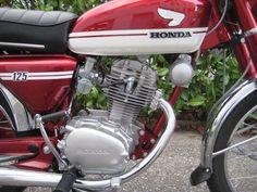Honda Cb 100, Vintage Honda Motorcycles, Engine Rebuild, Vintage Japanese, Engineering, Classic, Wheels, Detail, Motorbikes
