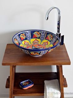 Mexikanisches Waschbecken mit handverzierten Muster, wunderschön!