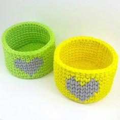 """1,093 kedvelés, 28 hozzászólás – 💮rose oliveira (@roseoliveira_tartes) Instagram-hozzászólása: """"Uma dupla de cestinhos """" cítricos"""" e fofuchos para nos inspirar 😍💚💛💚💛 😊 #kitcestos #crochet…"""""""