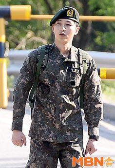 [Photos] Song Joong-ki discharged @ HanCinema :: The Korean Movie and Drama Database