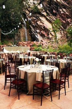 positively stunning mountainside reception | photo: logan walker | http://emmalinebride.com/rustic/mountain-wedding-ideas/