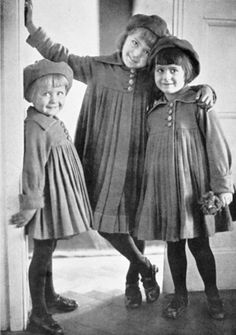 ∴ Trios ∴ the three graces & groups of 3 in art and photos - Three Little sisters, by Elfriede Reichelt, c.1924