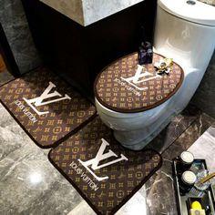 supreme lv ブランド マット トイレマットlvフタカバーマット gucci トイレ浴室マット エルメス U型トイレマットシャギー 方形マット 柔らか 3点セット速乾 強力吸水 Luxury Bedroom Sets, Luxurious Bedrooms, Luxury Shower, Luxury Bath, Gucci Bedding, Chanel Room, Designer Bed Sheets, Toilet Mat, Louis Vuitton