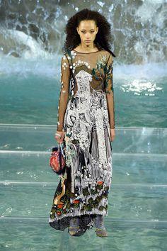 Fendi-Roma-Anniversary-Fashion-Show-Paris-Tom-Lorenzo-Site (8)