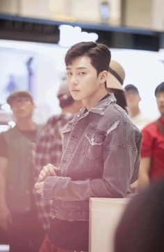 Seo Joon 👀✨ Please don't stare at me like that! Asian Actors, Korean Actors, Fight My Way Kdrama, Oppa Gangnam Style, Song Joong, Park Seo Joon, Park Bo Gum, Jung Hyun, Park Hyung Sik