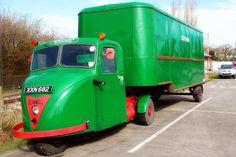 Del Boy would be proud! Old Lorries, Road Train, Classic Motors, Busse, Toy Trucks, Commercial Vehicle, Vintage Trucks, Retro Cars, Classic Trucks