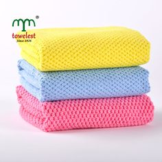 Great for home, auto and office. This set of three microfiber cleaning cloths offer 100% microfiber cleaning power. Microfiber is made up of millions of microscopic fibers that trap and hold dirt, dust and grime.