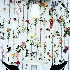 Reconsider what you do with the largest part of your #homes! The walls! Take inspiration form #wallpaper #trends on #treniq. Enquire and source hassle free!! #luxurywalls #interiors #painting #wallpapertrends #blog #luxurydecor #interiordecor #design #art #wallart #homedecor #homestyling