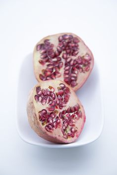 100% Végétal: Panna cotta de sésame noir et gelée grenade-thé vert-rose.
