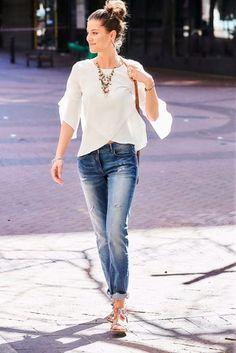 Aniston Crepebluse, mit Volants an den Ärmeln