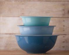 pyrex mixing bowls
