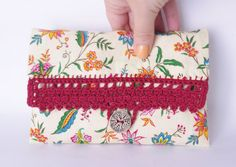 18€ - www.cocoflower.net - #Crochet Cosmetic #Makeup #Bag / Lace clutch / Ecru by CocoFlowerShop